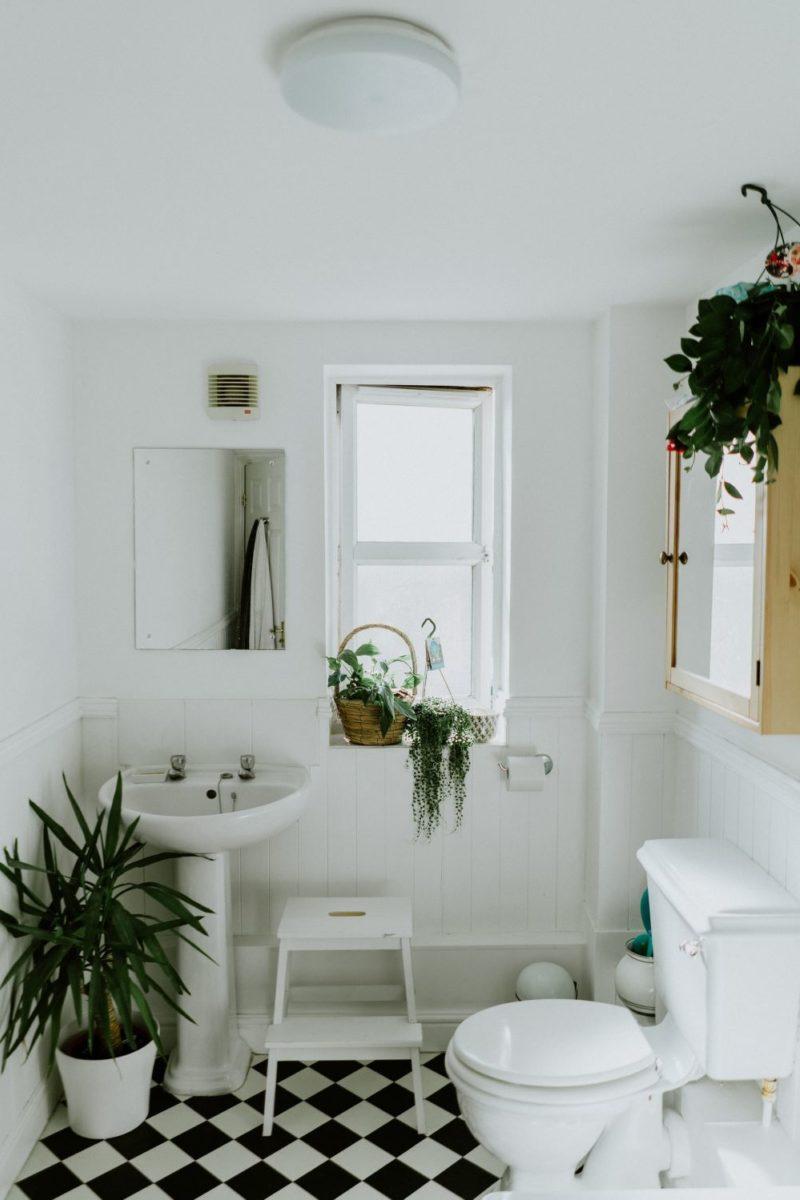 Bathroom Renovations - Phil Hearing on Unsplash