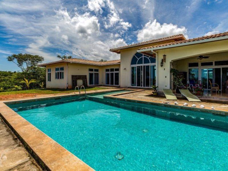 Buy A Leaky Home - Photo by fran hogan on Unsplash