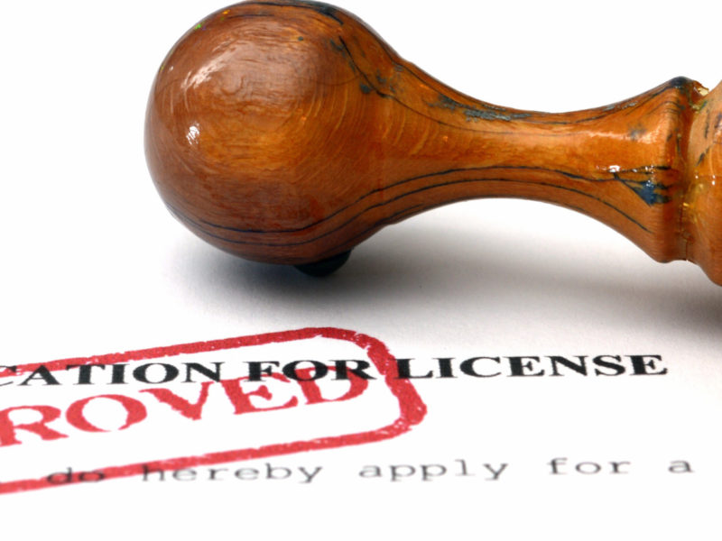 Real Estate Agents Must Be Licensed 1