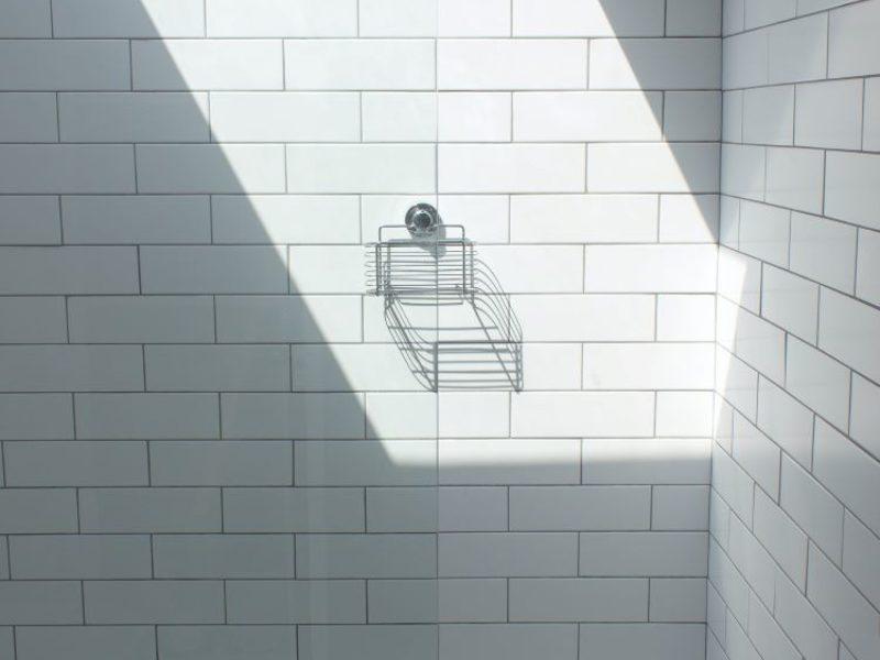 Renovation Bathroom - Darren Richardson on Unsplash